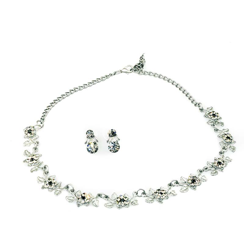 necklace set leaves with crystals
